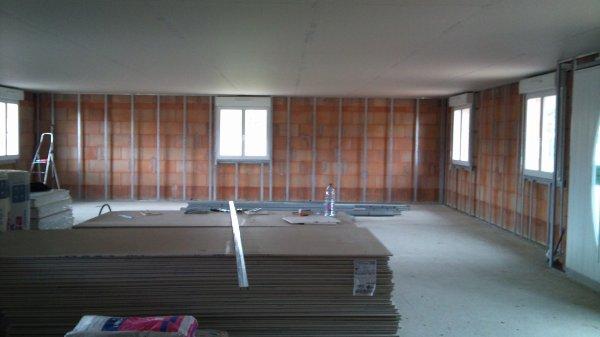 fin du plafond et d but de l 39 ossature m tallique notre futur maison. Black Bedroom Furniture Sets. Home Design Ideas
