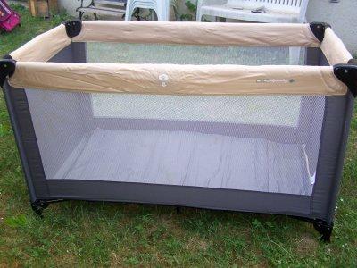 lit parapluie equipbaby avec matelas suppl mentaire 15 euros blog des p 39 tits loulous 95. Black Bedroom Furniture Sets. Home Design Ideas