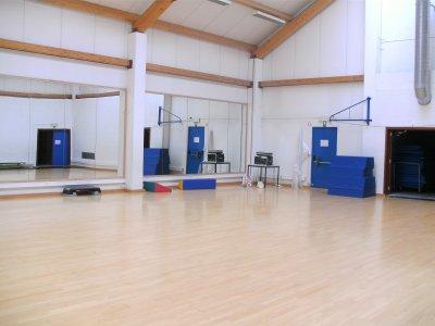 Salle de la maison provinciale des sports blog de ideal for Maison provinciale
