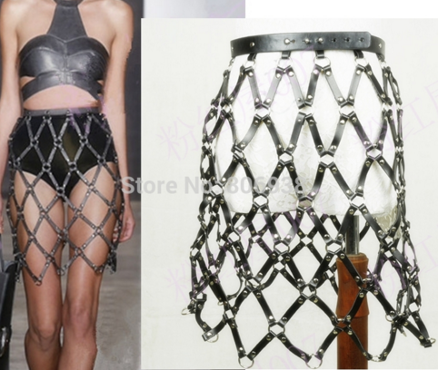 apres les body harnais la jupe cage