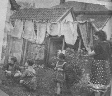 Art 597 la lessive autrefois ce blog nos ann es for Femme au foyer 1900