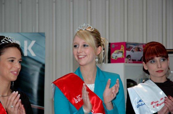 2013-05--13 CADEAUX AUX FILLES CANDIDATES DE MISS TOURNAI