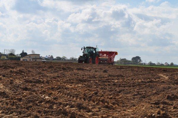 Plantation de pommes de terre blog de titi29430 - Planter des pommes de terre ...
