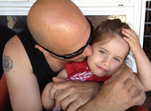 Juliette avec sa mamie & son papy