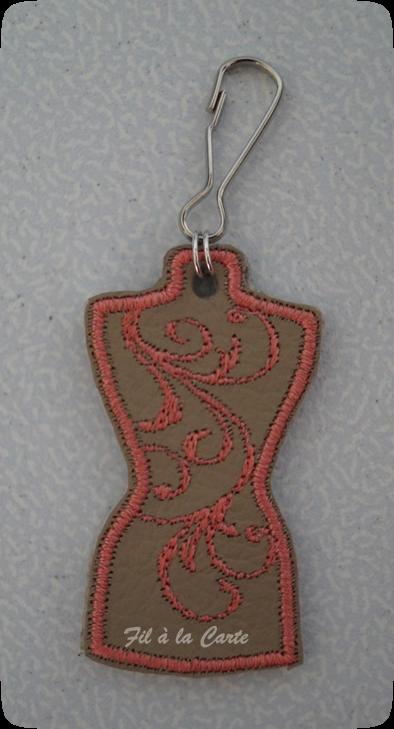 Portes clés mannequin couture et coeur