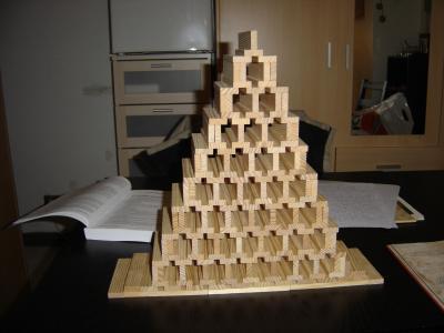 pyramide kapla kapla. Black Bedroom Furniture Sets. Home Design Ideas