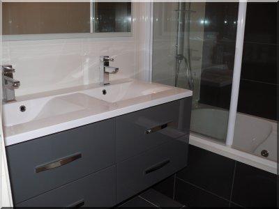 pose du meuble suspendu noswerewolf. Black Bedroom Furniture Sets. Home Design Ideas