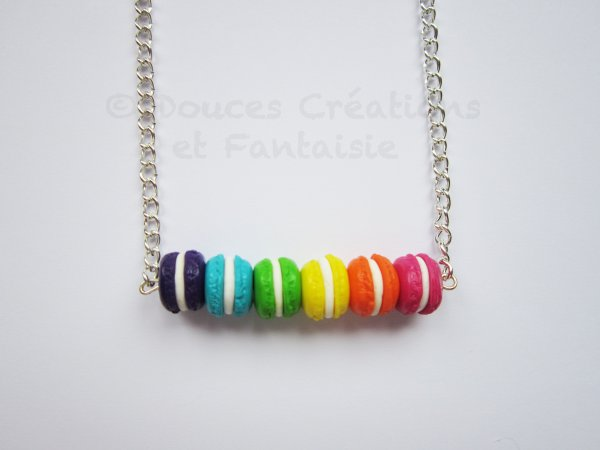 Collier Rainbow macarons