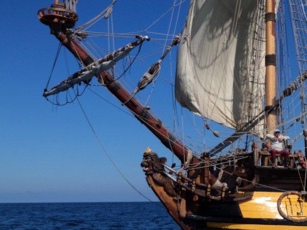 vieux gr�ement russe crois� en mer