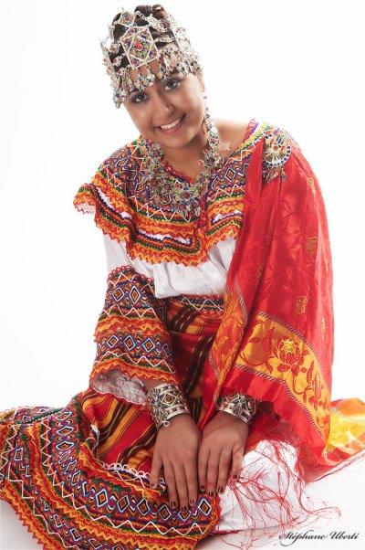 Ensemble kabyle accessoires 120 euros d coration de for Decoration kabyle