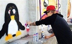 07/11/2013 Justin Bieber en prison pour un tag ?