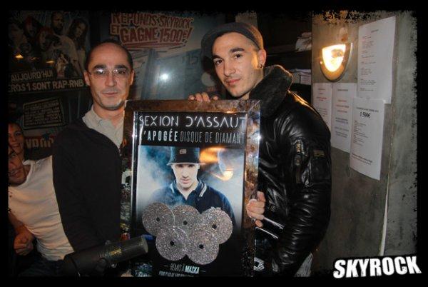 Romano et Maska de la Sexion d'assaut avec le disque de diamant!