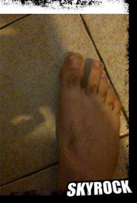 Les pieds de Romano et de Karim auditeur de Skyrock
