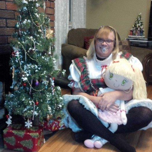 VIDEO - Un trans quitte sa femme et ses enfants pour vivre sa vie de petite fille de 7 ans !