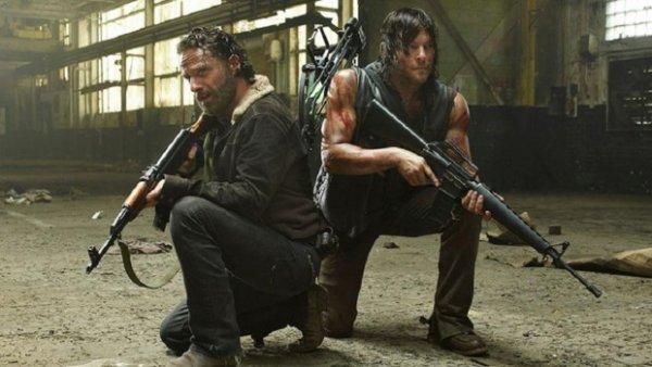 """Alert�e pour une fusillade, la police trouve une famille en train de regarder """"Walking Dead """" !"""