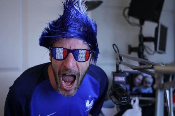 L'�quipe du Morning De Difool aux couleurs des Bleus !