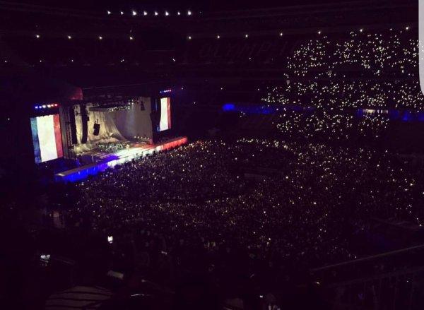 VIDEO - Attentat � Nice : Rihanna rend un hommage poignant aux victimes au Parc OL de Lyon !
