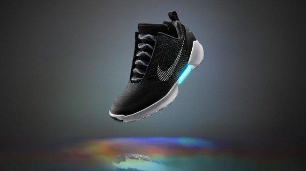 VIDEO - Nike HyperAdapt : les chaussures � la�age automatique dispo le 28 novembre !
