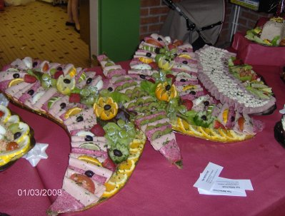 Papillon de charcuterie buffet froid - Decoration de buffet froid ...