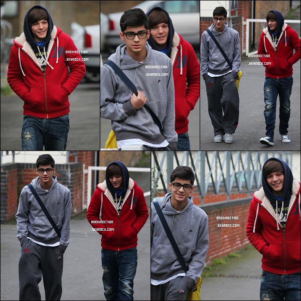 29/11/10 : Les One Direction ont été photographié arrivant aux studios de X Factor pour des répétitions à Londres.