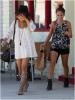 Za-Nessa-Source(21.08.13) Vanessa est allée à Sun Café avec sa coupine Kim Hidalgo.Za-Nessa-Source