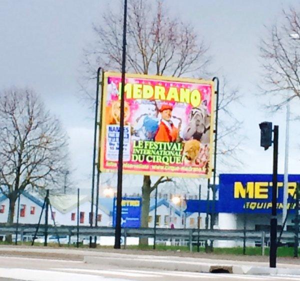 medrano s 39 affiche en grand a nantes place du cirque. Black Bedroom Furniture Sets. Home Design Ideas