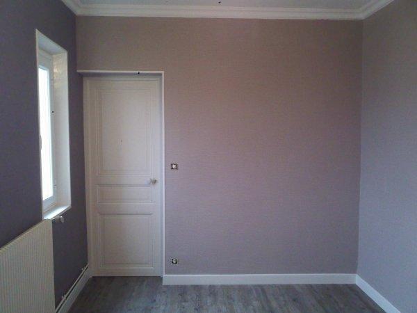 R alisation d 39 une salle a manger en papier peint gaufr for Papier peint salle a manger