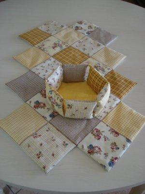 Patchwork fleur de patch - Chemin de table en patchwork ...
