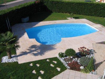 Avec le dallage desjoyaux construction de notre piscine for Construction piscine 8x4