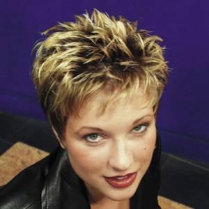 Photo coupe de cheveux court femme 50 ans