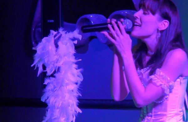"""Extraits de ma prestation au cabaret """"Les cl�s du paradis"""""""
