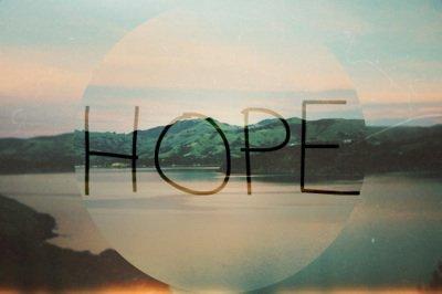 Il ne faut jamais dire que l'espoir est mort. �a ne meurt pas, l'espoir!