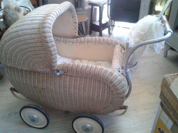 authentique landau ancien allemand 1936 de poup e efiona. Black Bedroom Furniture Sets. Home Design Ideas