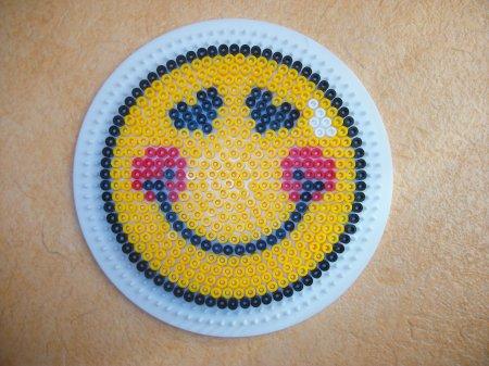 Perle hama un sourire blog de mes petites creations 13 - Smiley perle a repasser ...
