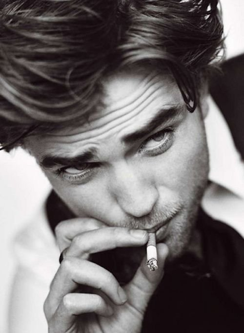 Aimer sans �tre aim�e, c'est vouloir allumer une cigarette � une cigarette d�j� �teinte.  _George Sand