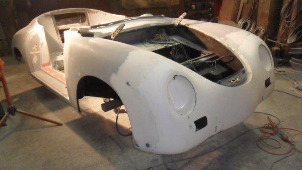 Carrosserie presque prete a peindre replika 356 speedster for Porte prete a peindre
