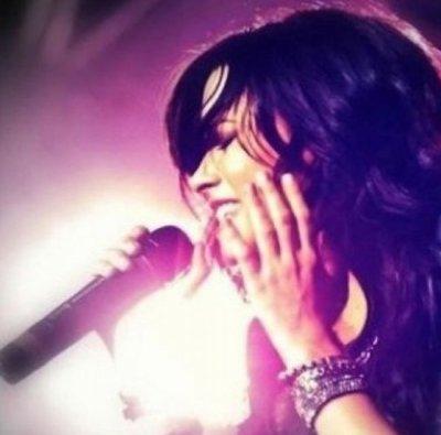 Demi Lovato a une nouvelle photo de profil sur Twitter + News
