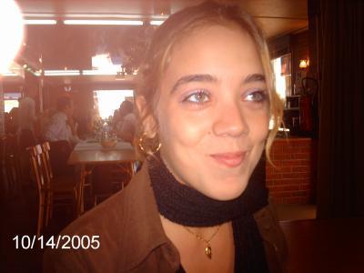 voici une vraie gitane; menton en galoche, coiffure à la &quot;<b>Alice Saprich</b>&quot;, ... - 727726079_small