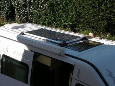 panneaux solaire am nagement d 39 un renault master. Black Bedroom Furniture Sets. Home Design Ideas