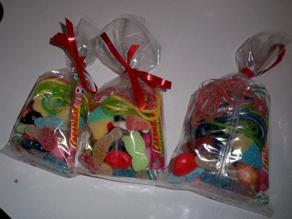 sachets de bonbons pour un bapt me d co et gourmandises. Black Bedroom Furniture Sets. Home Design Ideas
