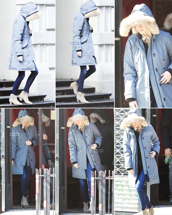 03/03/2013 : Emma  accompagnée de son boyfriend Andrew,  a été aperçue sortir d'un salon de tatouage.