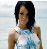 Rihanna-SKY-officiel