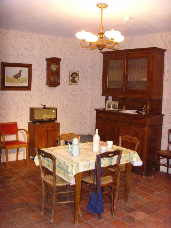 L 39 int rieur d 39 une maison de mineur des ann es 1930 2 2 toute une passion de notre patrimoine for Interieur d une maison