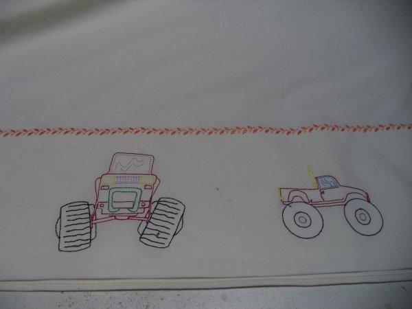 draps de lit pour le lit parc mais auto monster truck cette fois