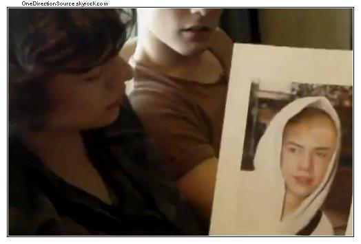 _ Harry Styles' shaven head !_