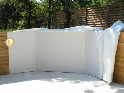 Pose du feutre construction d 39 une piscine bois for Pose feutre piscine