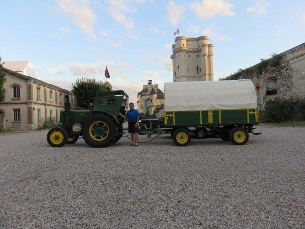 Jean-Yves voulais rejoindre Paris en tracteur Soci�t� Fran�aise, en 2016 objectif atteint.