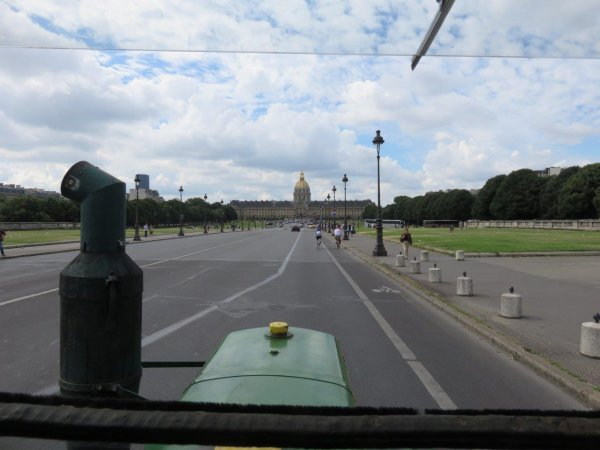 Le tracteur SFV continue sa promenade parisienne