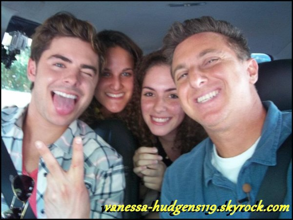 Photos Personnelles de Vanessa Hudgens + Photo de Zac Efron au Brésil :)