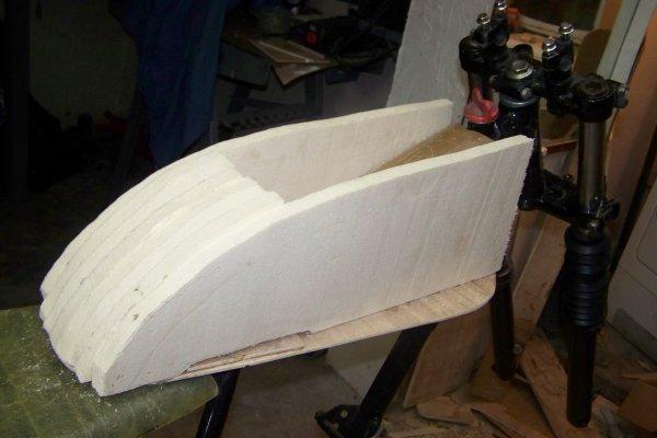 Fabriquer un reservoir moto en polyester